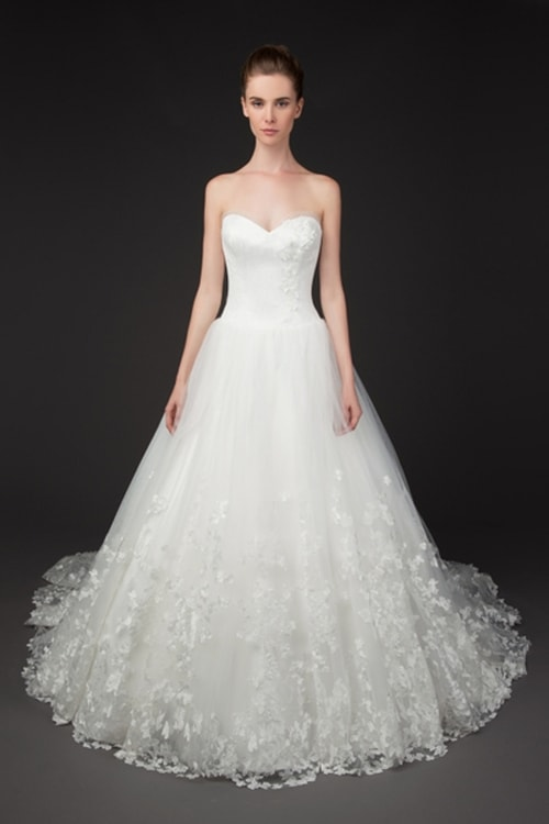 فساتين زفاف هادئة 27734.imgcache.jpg
